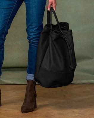 7455-lfs-duffle bag-black-aw17.jpg
