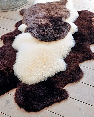 sheepskin rugs_blog cover.jpg