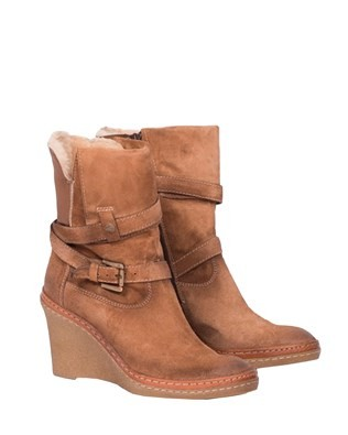 Leather Wedge Buckle Boot - Size 9 - Tan 142