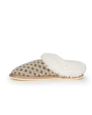 7088_knitted_cribba_slippers_side.jpg