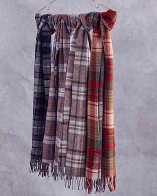 5864-lfs-lambswool tartan scarves.jpg