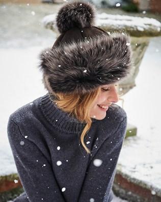 Toscana Pompom Hat