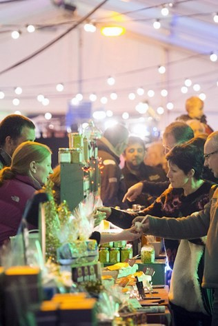 padstows-traditional-christmas-market-located-is-on-the-harbourside.jpg