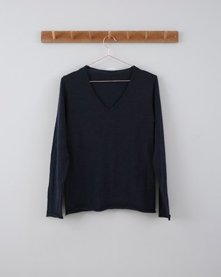 Fine Knit Merino V Neck - Size Small - Dark Navy 758