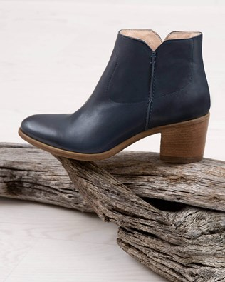 cc19fa8d475 Womens Leather Boots