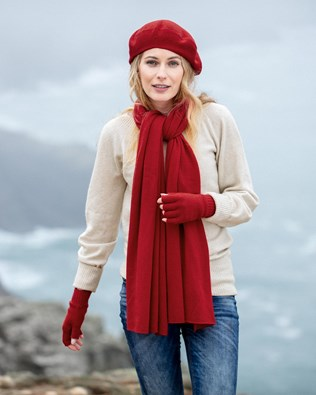 7488-cashmere-stole-7490-cashmere-button-gloves-7498-cashmere-beret-classic-red-121_ifs.jpg