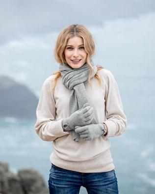 7490-cashmere-button-gloves-7488-cashmere-stole-silver-80_ifs.jpg