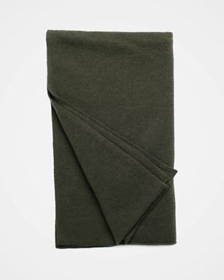 7488_cashmere-stole_olive_flat_web.jpg