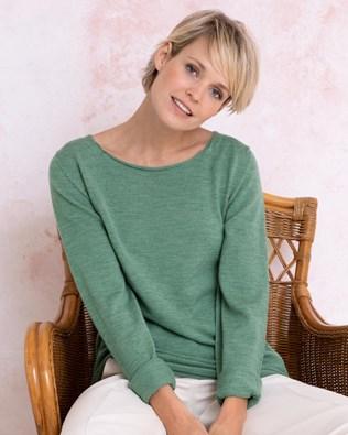7036-fine-knit-merino-crew-neck-sage-89_lfs.jpg