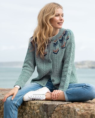 7602-7587-shetland-cable-cardi-ocean-colourblock-136-rev-lfs-art-v2.jpg