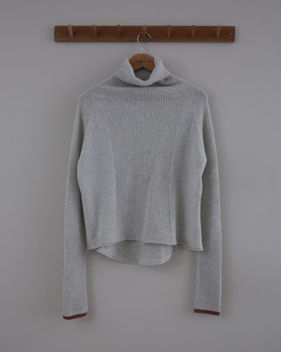 Geelong Curved Hem Roll Neck - Size Small - Pearl Grey / Antique Rose - 1513