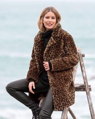 7685-7505-6883-7621-leopard-print-sheepskin-coat-144_lfs.jpg