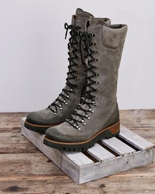 7082_wilderness-boots_grey_0620.jpg