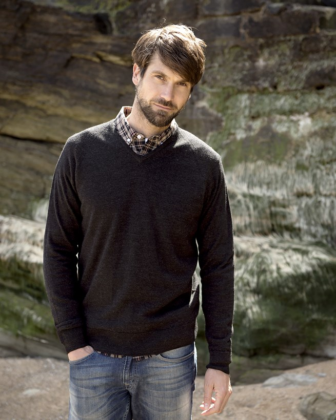 Men's Merino V Neck Jumper