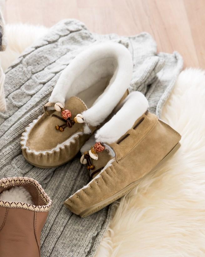 7448-lfs-lakota-slippers.jpg