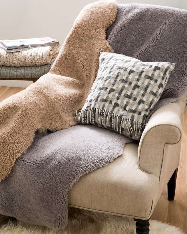 5301-lfs-sheepskin throws-aw17.jpg
