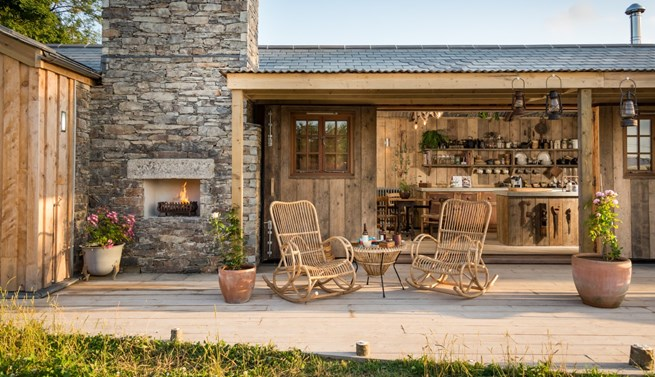 mawgan-porth-unique-luxury-self-catering-couples-retreat-cornwall.jpg