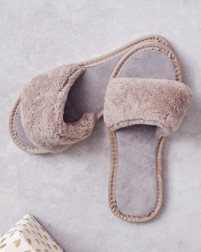 Sheepskin Sliders