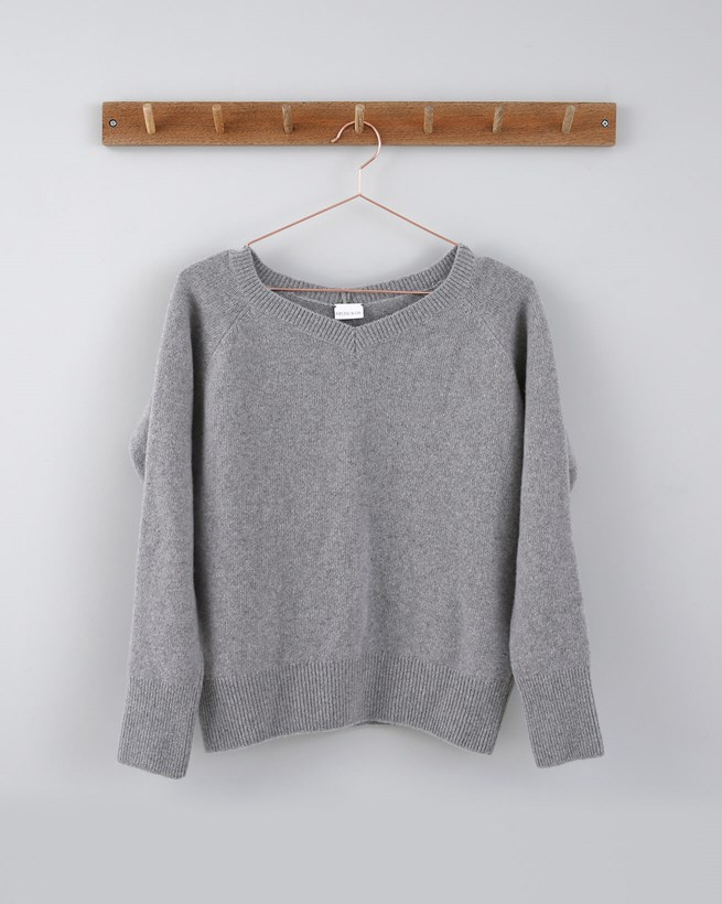 Lambswool V Neck - Size Small - Grey Marl 681
